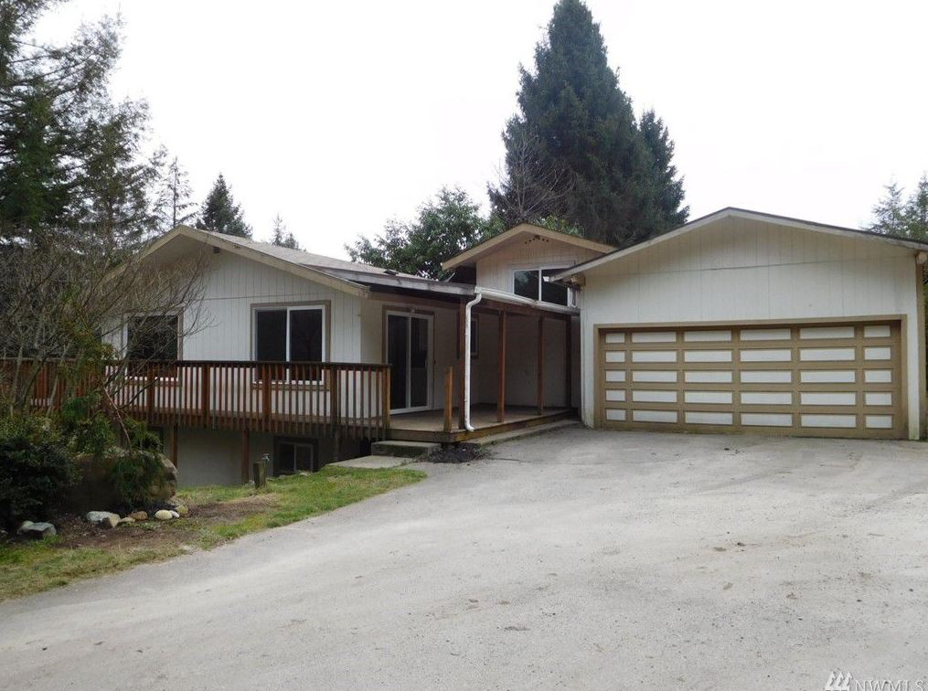 6161 E Grapeview Loop Rd Allyn, Washington 98524