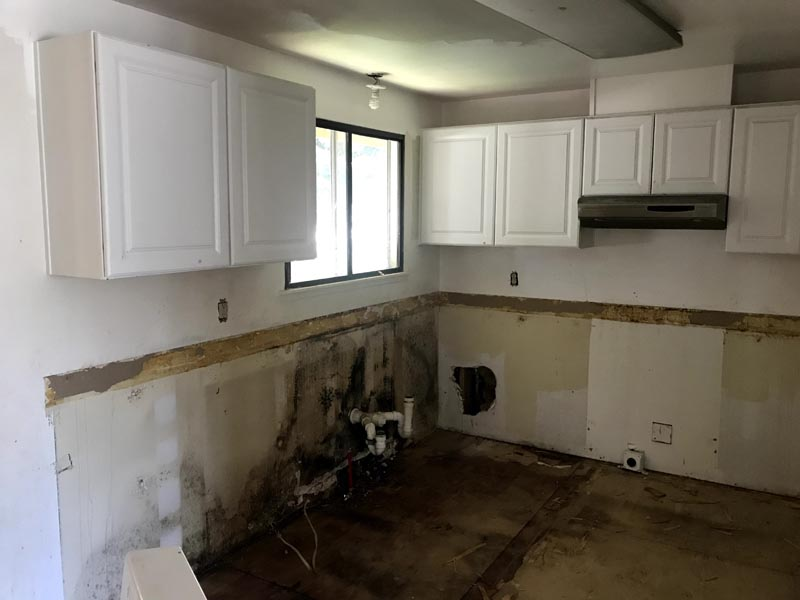 6815 Tacoma Kitchen Before